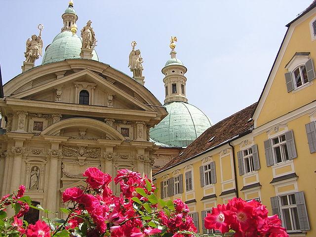 Mausoleum | © gugganij/WikiCommons