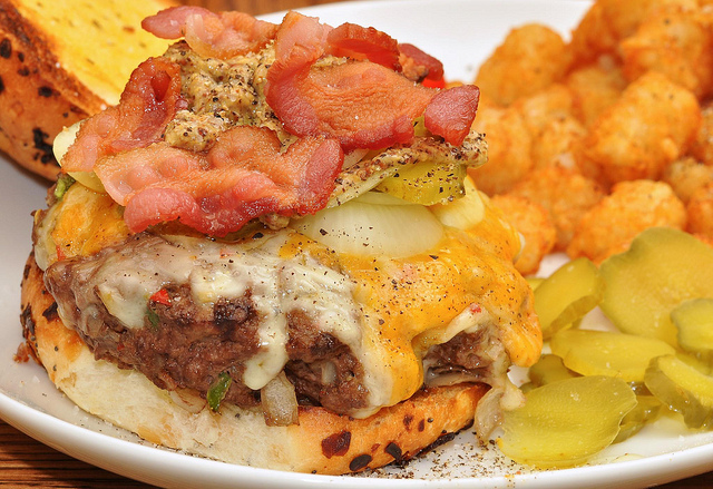 Bacon Cheeseburger with Tater Tots | ©jeffreyw/Flickr