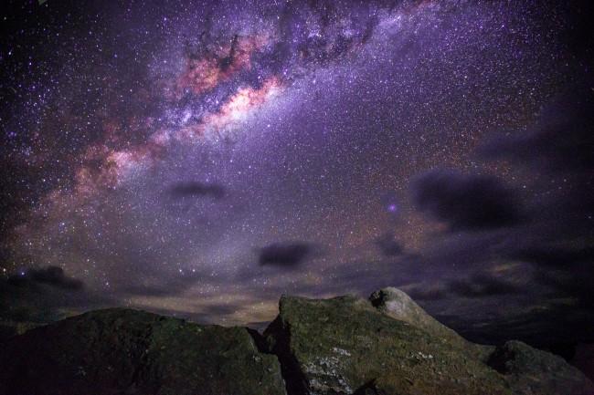 Stargazing on Easter Island | © Anne Dirkse/WikiCommons