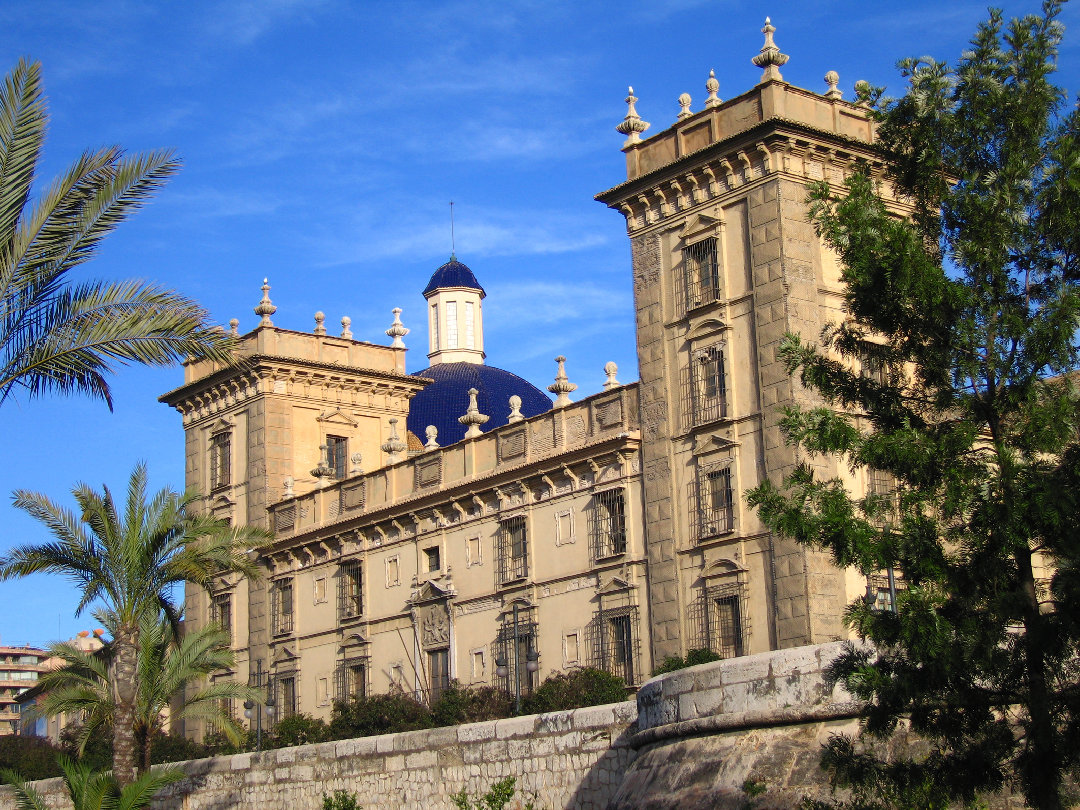The Top 5 Things To Do And See In L'Eixample, Valencia