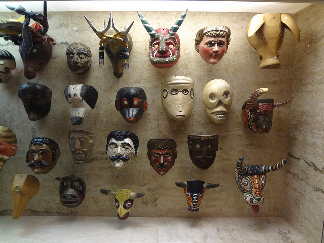 Latin American Masks at Museum of International Folk Art | ©hewy/Flickr