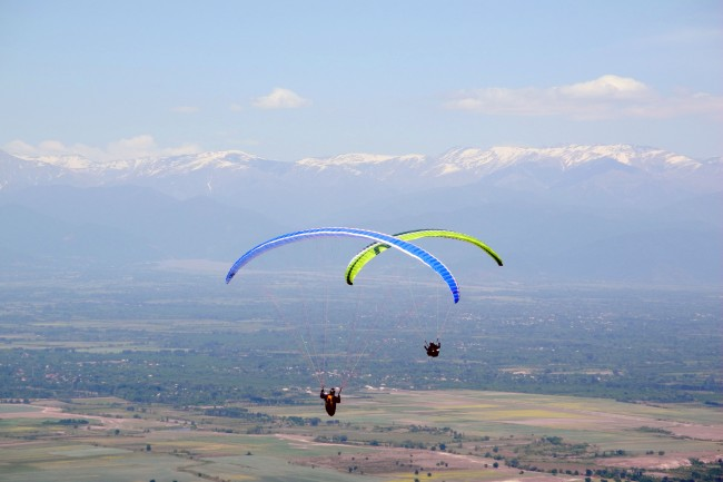 Paragliding in Armenia | Courtesy of Araratour.com