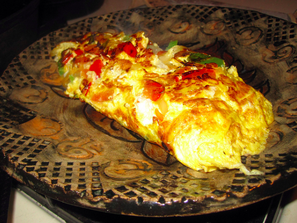 Vegetable and cheese omelet|©Tony Alter/Flickr