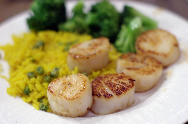 Pan Seared Sea Scallops | ©Adam Baker/Flickr