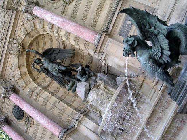 Fountain, Place St. Michel | © Stefano Brivio/Flickr