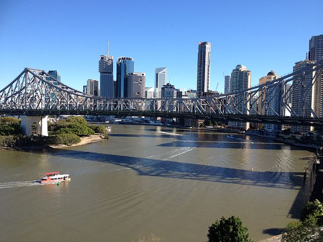 Story_Bridge,_Brisbane_CBD_Skyline_July_2014._01