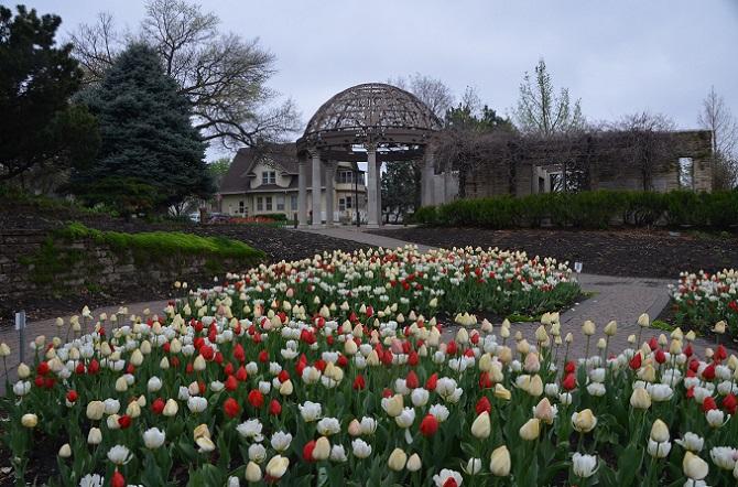 Sunken Gardens in Spring | ©wht_wolf9563/Flickr
