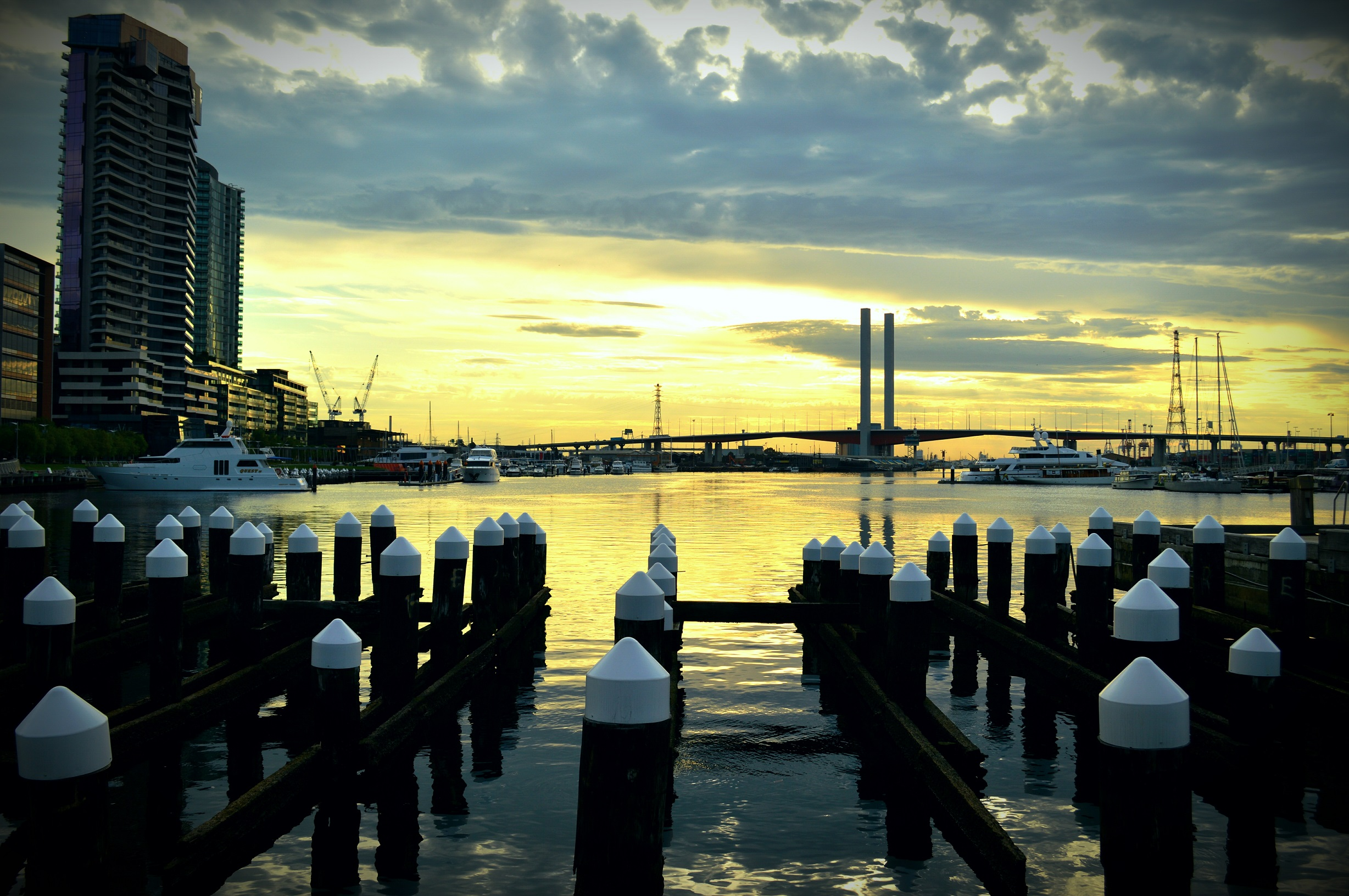 Sunset At Central Pier © Sue Roe Lim
