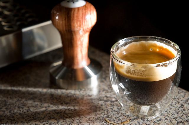 Espresso and Tamper | ©Sherman Mui/Flickr