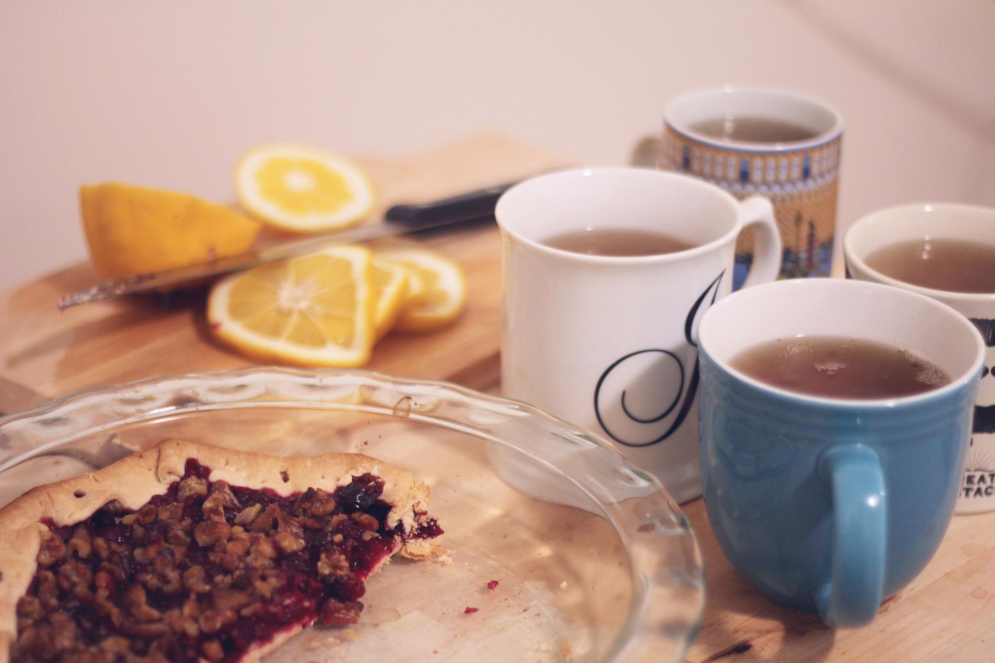Tea and pies | © Jane Rahman/Flickr