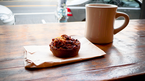 Pecan Pie and Coffee | ©RobVSF/Flickr