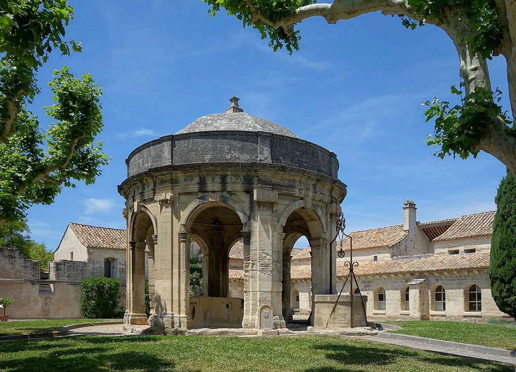 The top 10 things to do and see in villeneuve les avignon for Home salon avignon