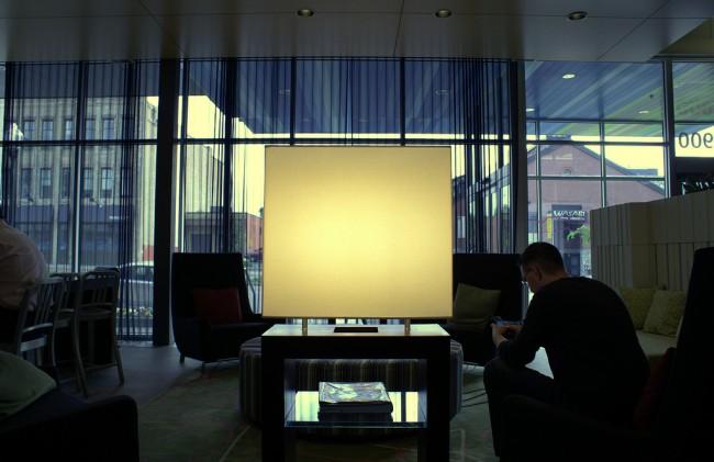 Aloft Hotel Lobby | © Tristan Bowersox/Flickr