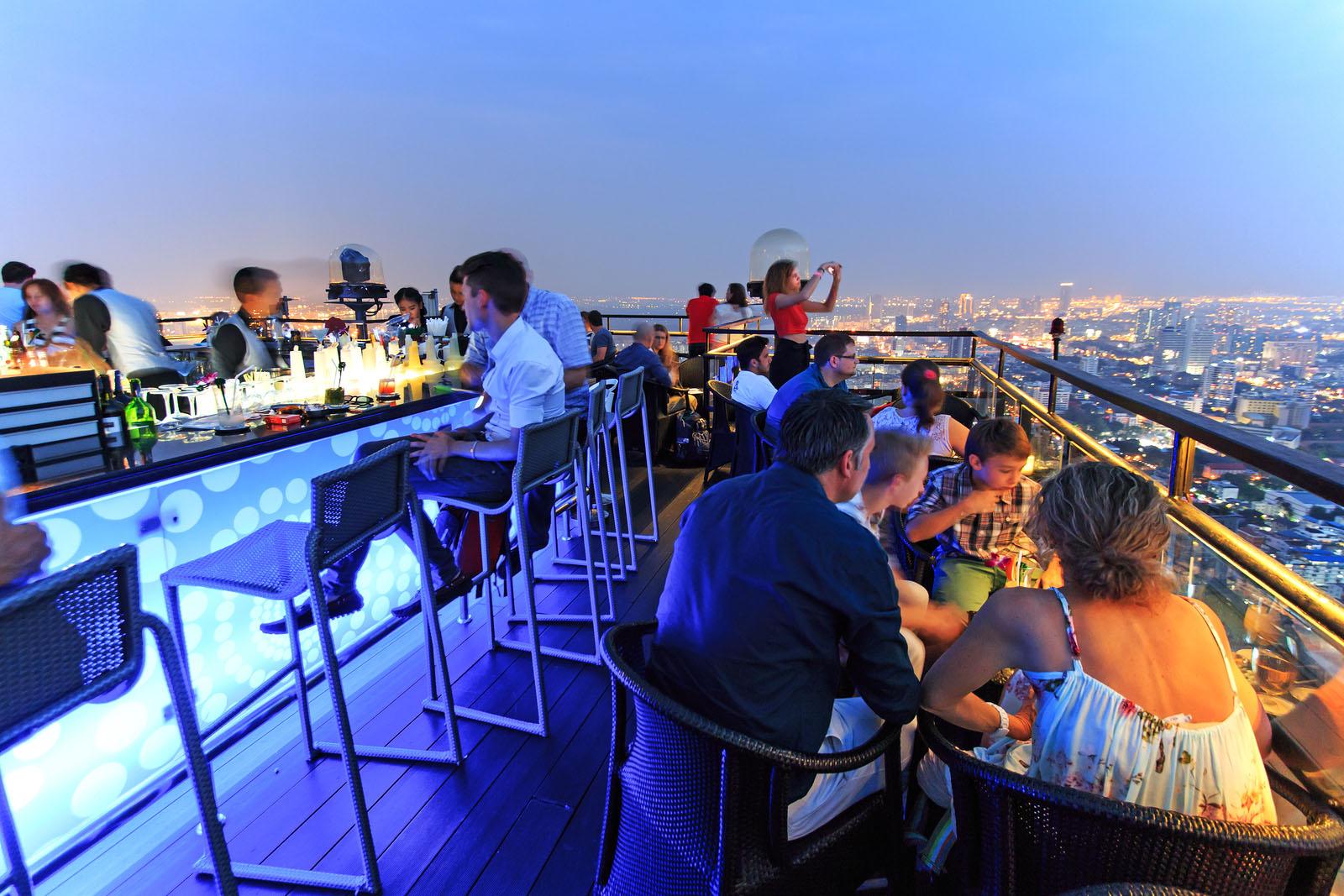 Hasil gambar untuk Lebua Sky Bar Thailand