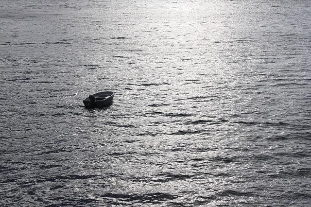 Lost at sea | © benjime/Pixabay