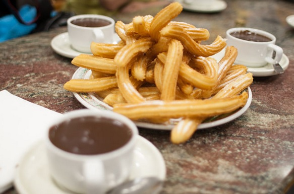 Churros con Chocolate | © Tim Lucas/WikiCommons