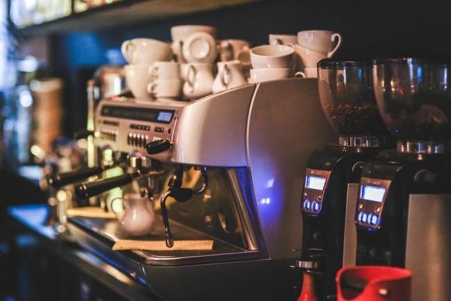 Café machine express fabricant | © kaboompics/Pixabay