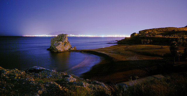 Playa del peñon nocturna | © Javier Gutierrez Acedo/Flickr