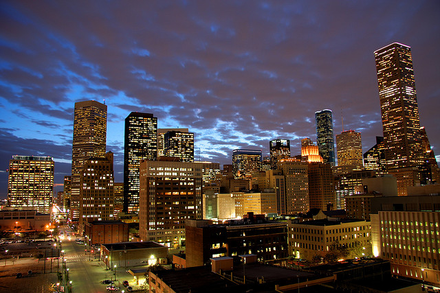 Downtown Houston at Dusk | © Alex/Flickr