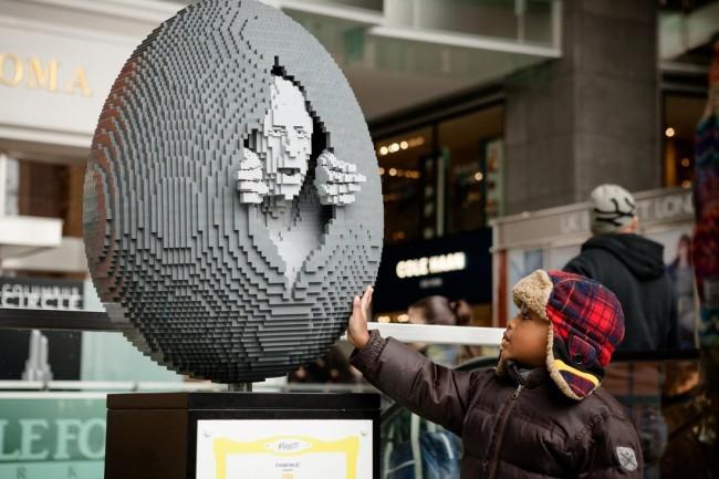Faberge - The Big Egg Hunt, New York City, 2014 | Image Courtesy of Nathan Sawaya