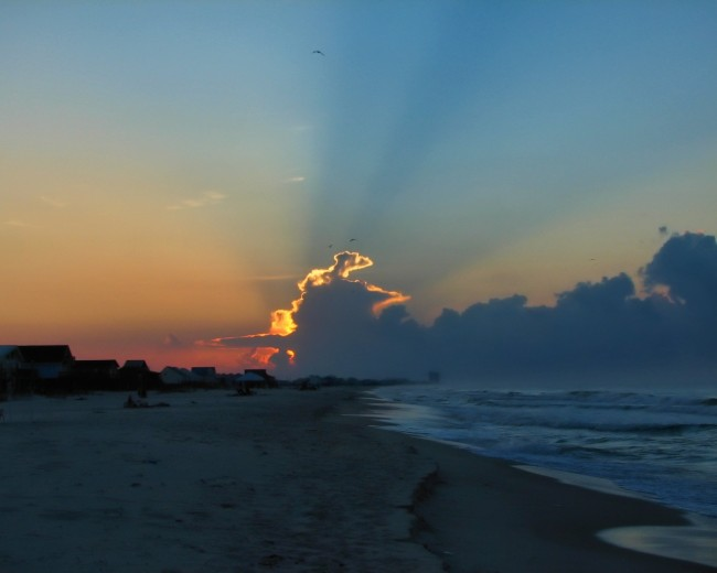 Sunrise - Fort Morgan, Alabama | © Melissa Johnson/Flickr