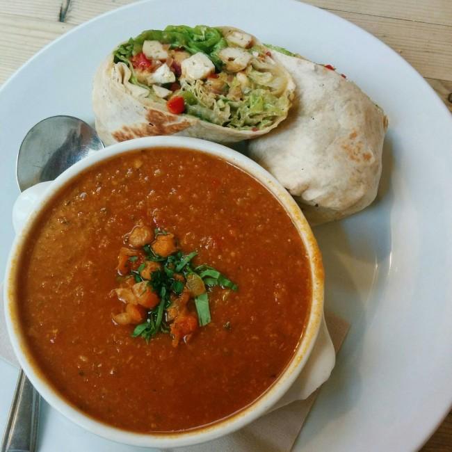 Mini lunch at Wai Kika Moo Kau / Courtesy of Charlotte Wilkins