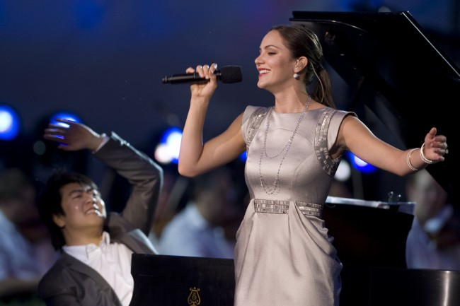 Singer Katherine McPhee and pianist Lang Lang | © Chad J. McNeeley
