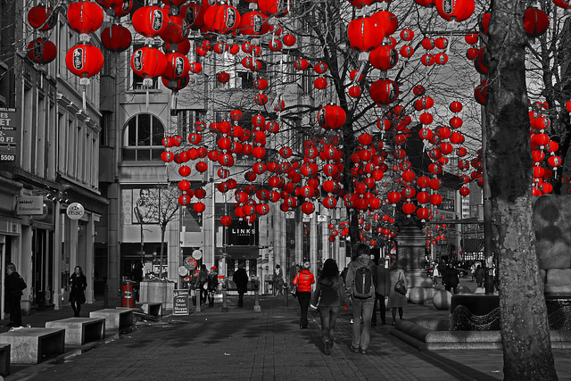 Lanterns in St Annes Square, Manchester, for the Chinese New Year | © Gidzy/Flickr