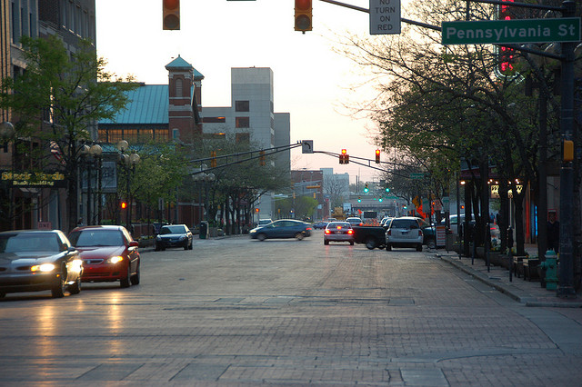 Market Str. in Indy at 7:00 am | © bob/Flickr