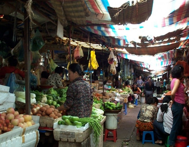 Market in Cambodia | © Justin Wat/WikiCommons