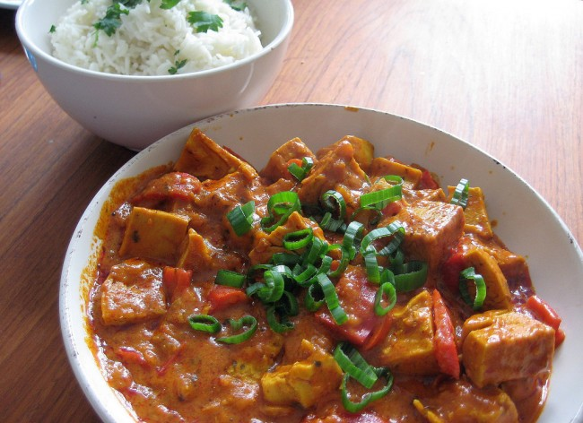 Vegan chicken tikka masala | © Miikka H/Flickr