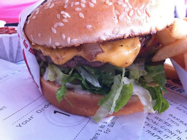 American classic burger | © Scott Mindeaux/Flickr