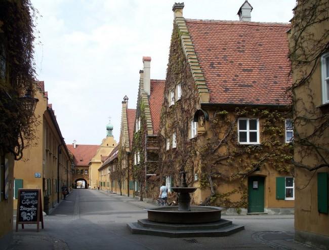 Herrengasse Fuggerei Augsburg | © High Contrast/WikiCommons