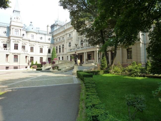 Poznanski Palace Interior court | © Score Beethoven/WikiCommons