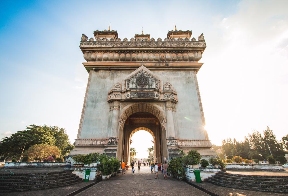 Patuxai, a memorial monument, in Vientiane, Laos © Chaiwat Jarusathit / Shutterstock