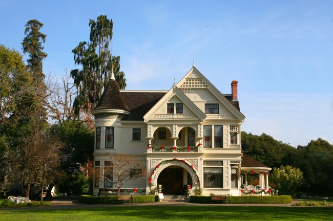 The Patterson mansion at Ardenwood Historic Farm |© Jitze Couperus/Flickr