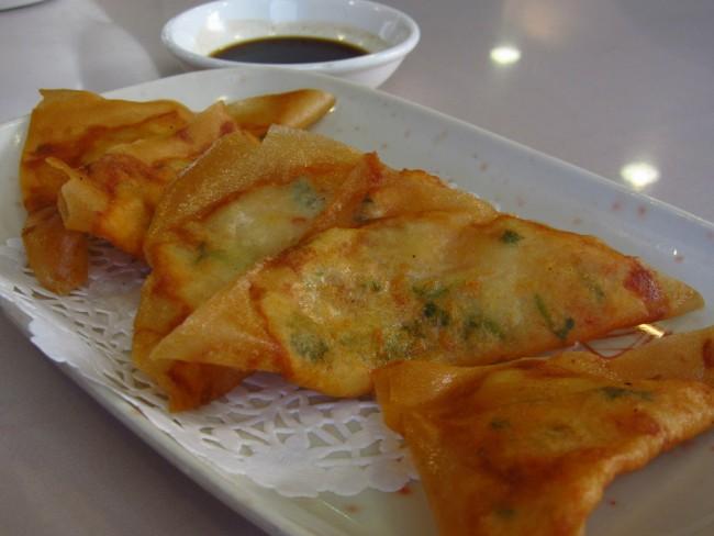 U & Me – Pan Fried Country Fish Cake | © Calgary Reviews/Flickr
