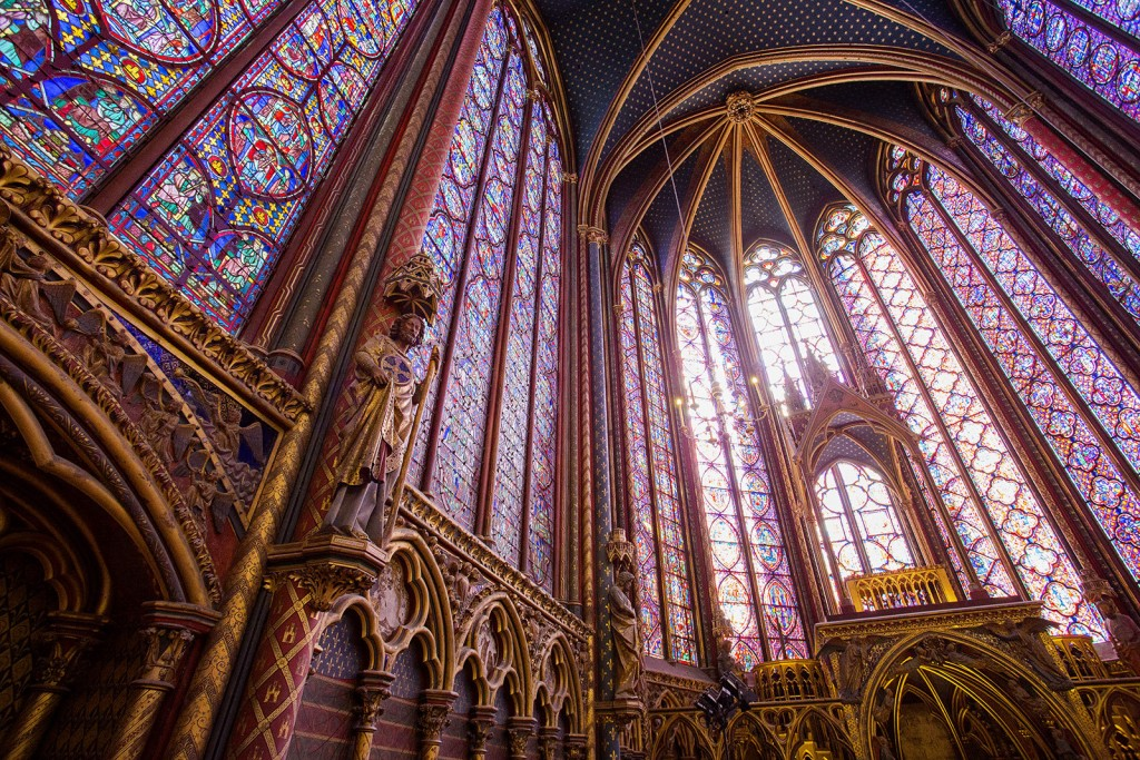 Sainte Chapelle Paris © Atibordee Kongprepan