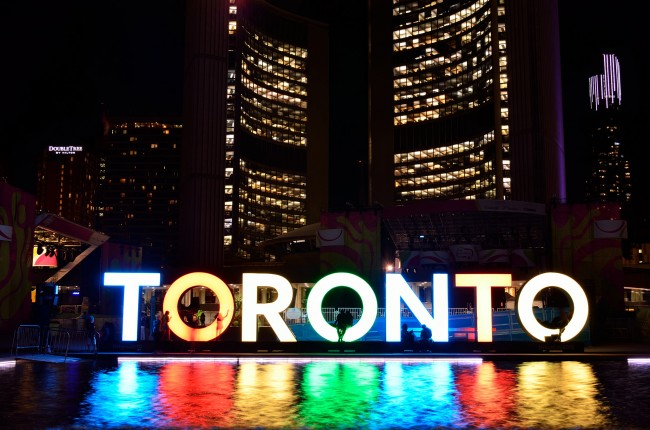 3D TORONTO Sign in Nathan Phillips Square | © Open Grid Scheduler / Flickr