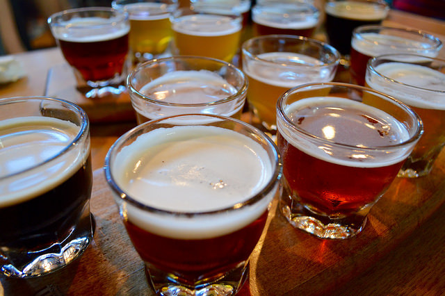 Beer Flights | © Lauren Topor/Flickr