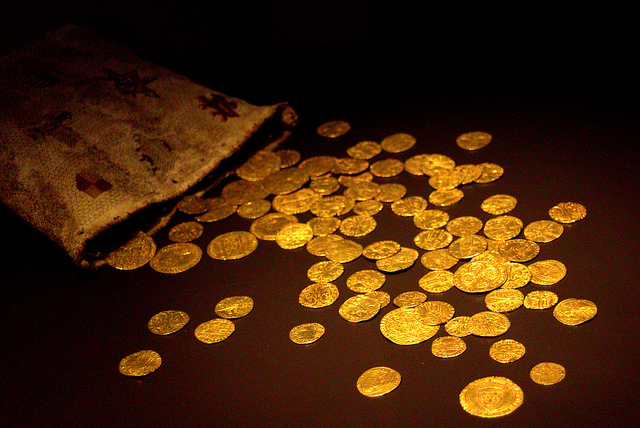 Medieval gold coins | © Manuel / Flickr