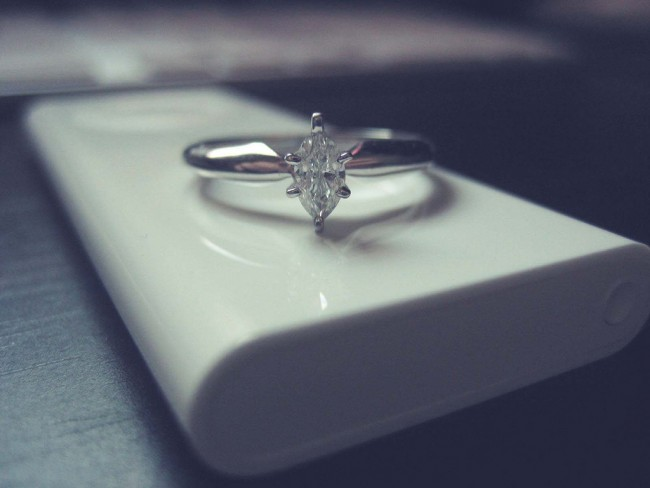 Engagement ring | © Jessica Diamond/Flickr