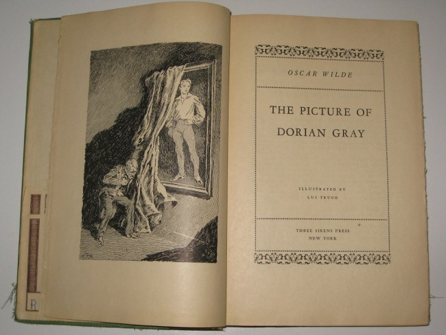 Inside the cover of Oscar Wilde's The Picture of Dorian Gray as published by Three Sirens Press in 1931 |©Ericxpenner/Wikicommons