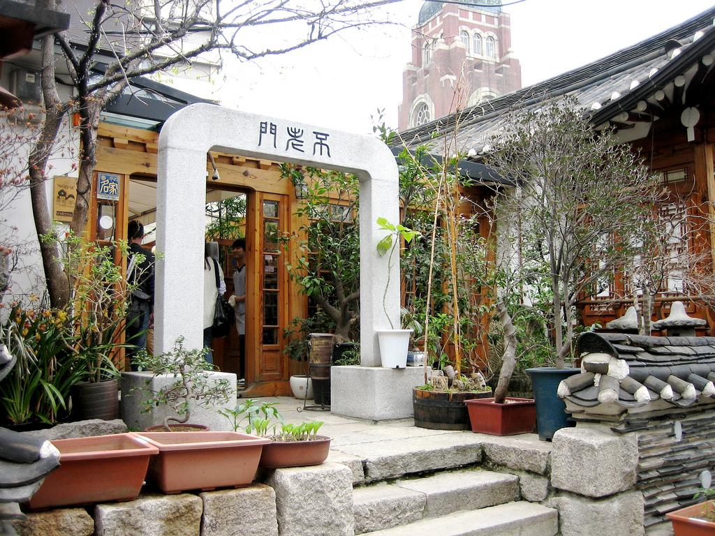 The 10 best restaurants in insadong south korea for Traditional korean kitchen