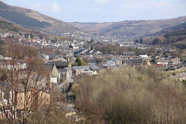 Looking Down Rhondda Valley | © Ben Salter / Flickr