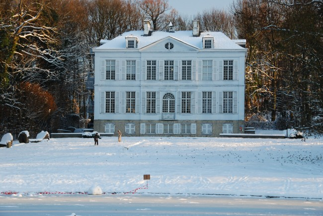 Chateau Malou in the snow | © Stephane Mignon/Flickr