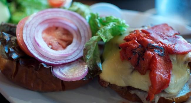 Kuma Burger | © Lauren Bosak/Flickr