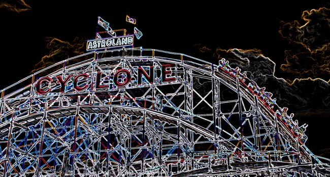 THE CYCLONE ROLLER COASTER - CONEY ISLAND, BROOKLYN, NY August 6, 2010 | © Ron Cogswell/Flickr