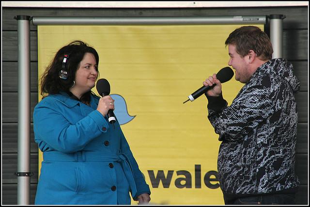 Ruth Jones and James Corden at BBC Radio Wales Roadshow |© Ben Salter / Flickr