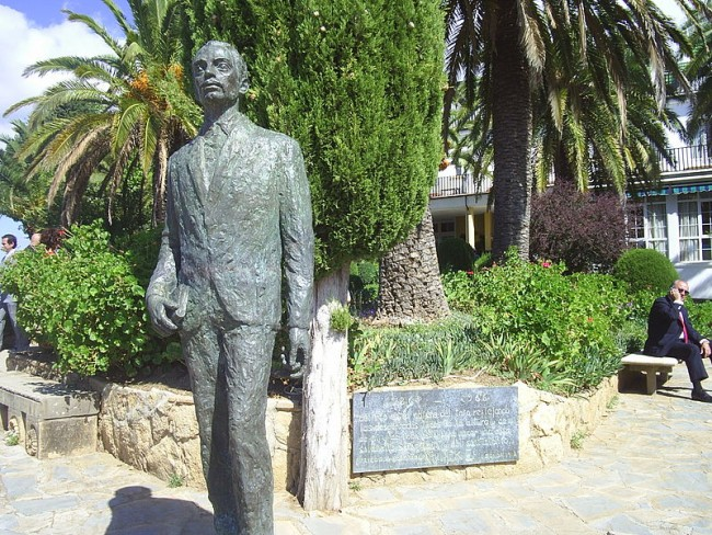 Monument to the poet Rainer M. Rilke in the city of Ronda, Spain | Wwal / © wikicommons